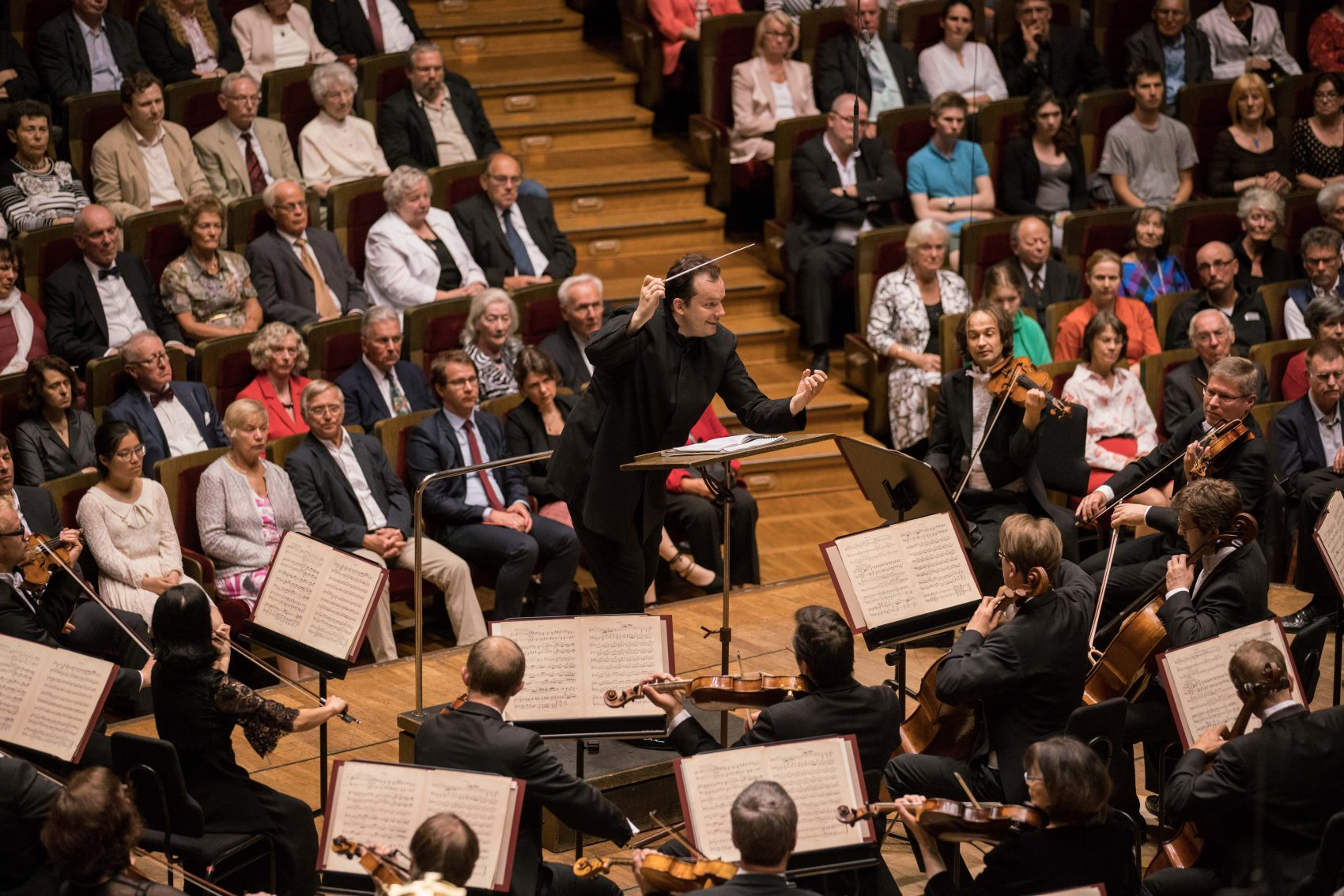 Andris Nelsons conducts the Gewandhaus Orchestra in Leipzig. (Courtesy Marco Borggreve)