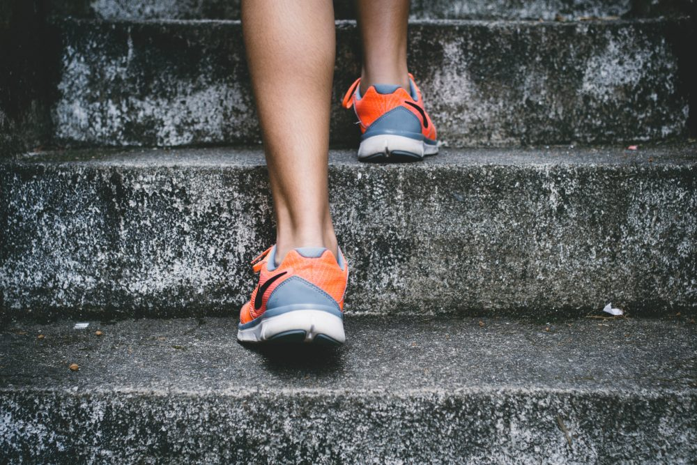 Holly Robinson lets go of her fear and puts on her running shoes. (Bruno Nascimento/Unsplash)