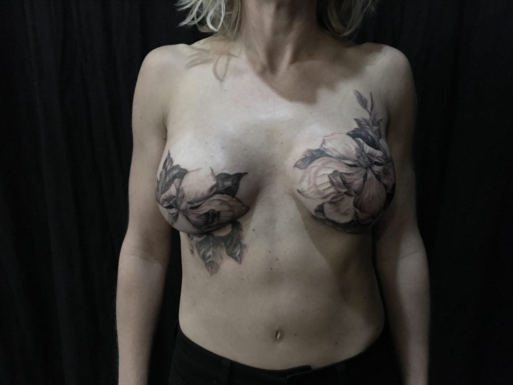 Reclaiming Their Beauty Tattoo Artist Inks Exquisite Flowers Over