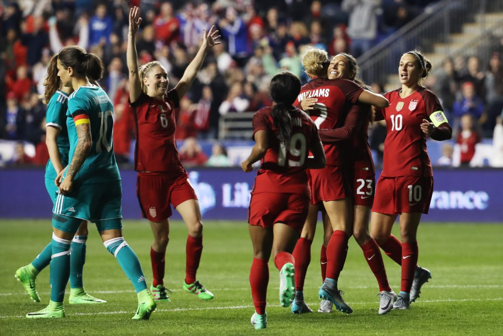 The U.S. women's national soccer team has agreed to terms on a new collective bargaining agreement with U.S. Soccer.  (Dominick Reuter/AFP/Getty Images)