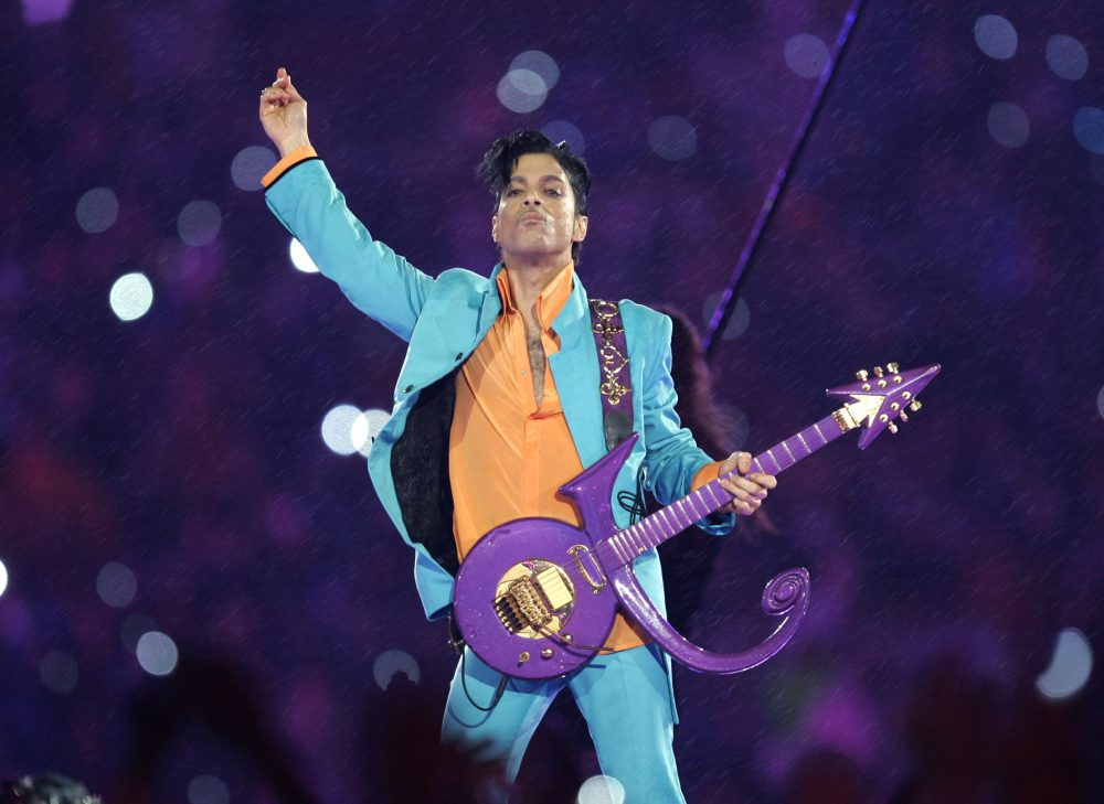 Pop artist Prince was a known sports fan. (Chris O'Meara/AP)