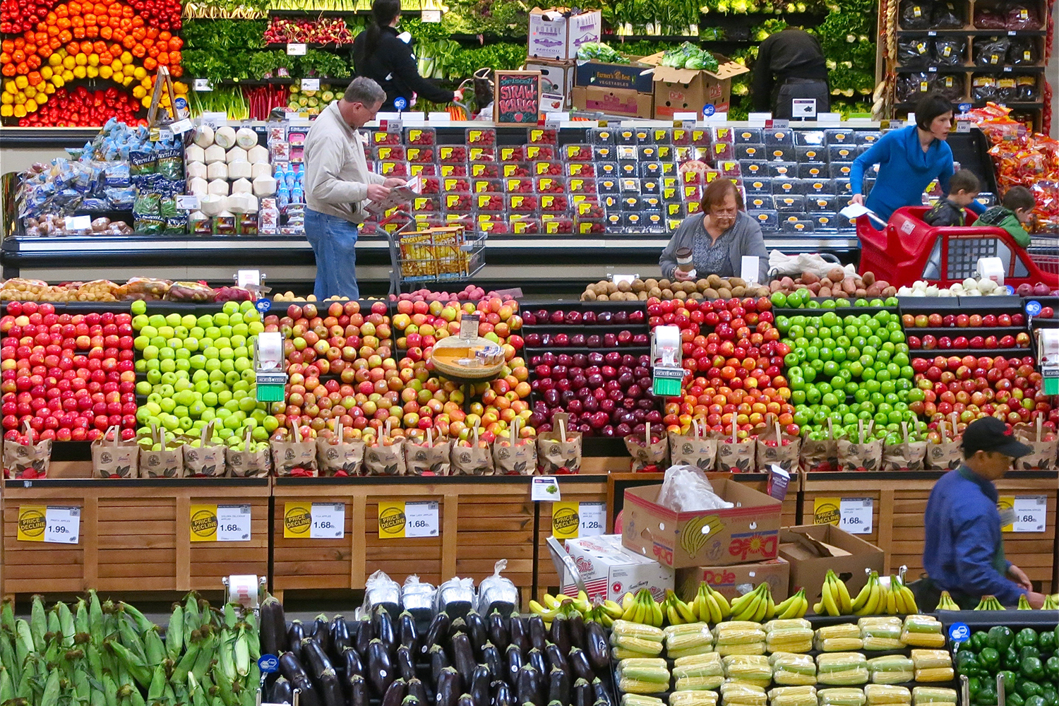 What price do we pay for fresh produce year-round? (Dean Hochman/Creative Commons