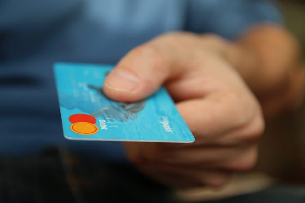 Credit card. (HAMZA BUTT/Flickr)