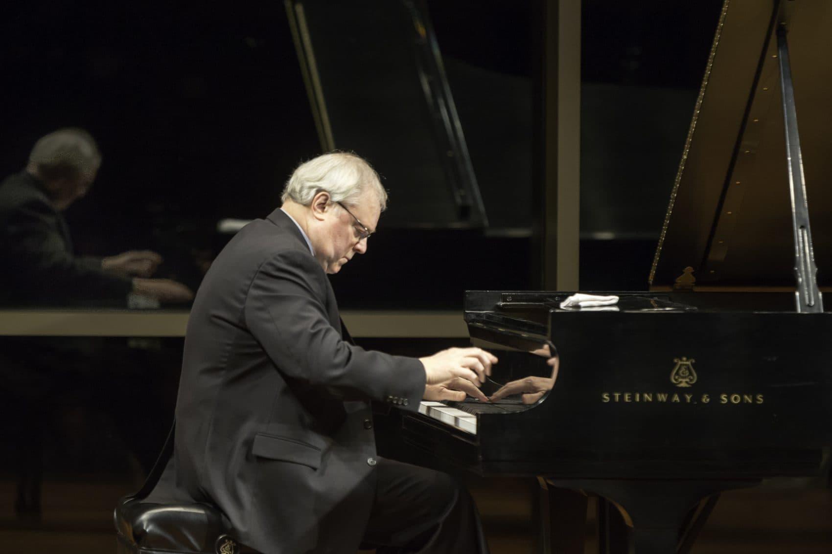 David Deveau performing. (Courtesy Michael Lutch)