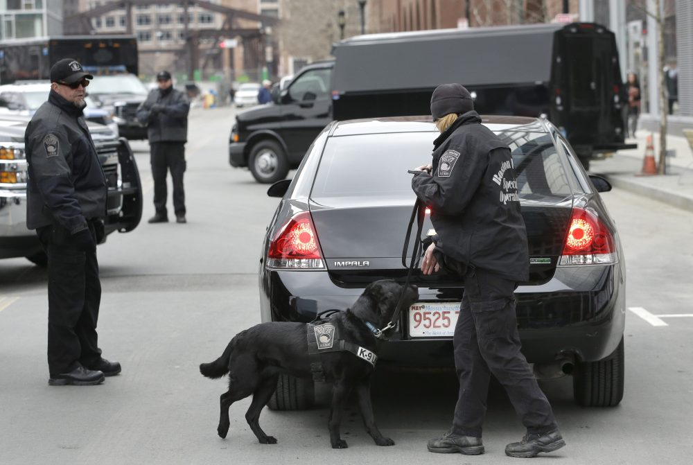 Naloxone For Police Dogs Officers Carry New Drug Kits As