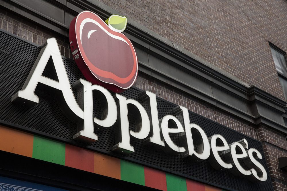 An Applebee's restaurant in New York City. (Andrew Burton/Getty Images)