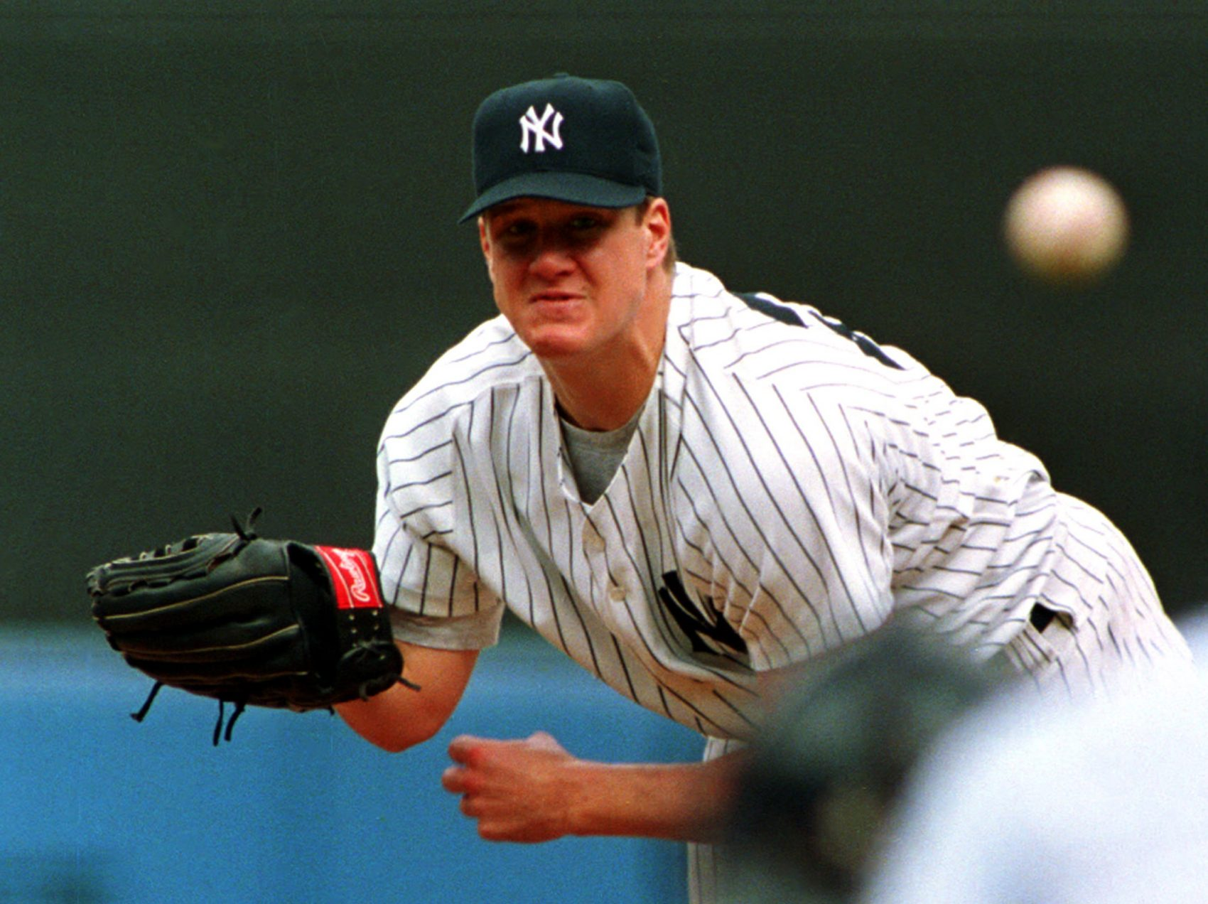 Jim Abbott, then a Yankee, throws a pitch during his no-hitter against the Cleveland Indians on Sept. 4, 1993. (Kevin Larkin/AP)