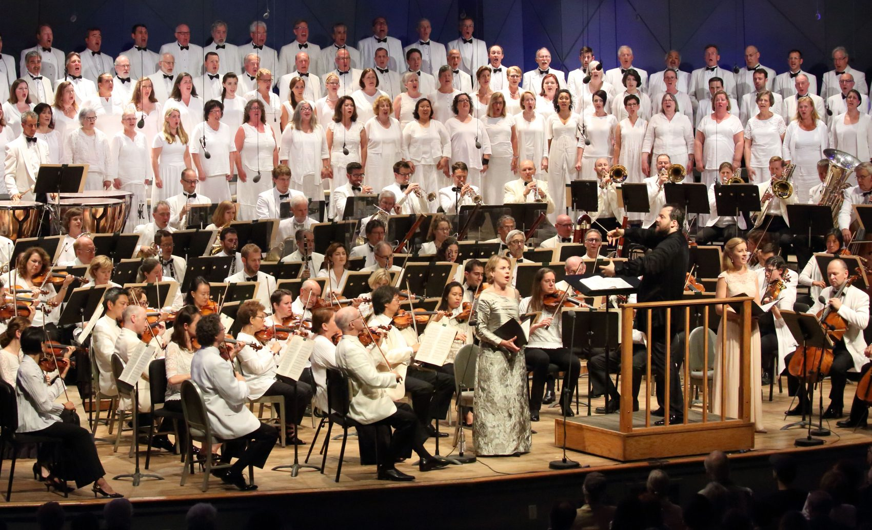 Andris Nelsons leads the Boston Symphony Orchestra, Tanglewood Festival Chorus, Bernarda Fink and Malin Christensson on opening night at Tanglewood. (Courtesy Hilary Scott/BSO)