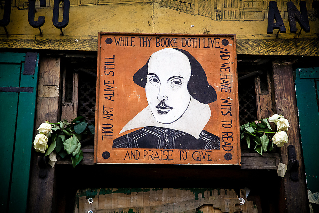 An image of William Shakespeare outside of the Shakespeare and Company bookstore in Paris. (vic xia/Flickr)
