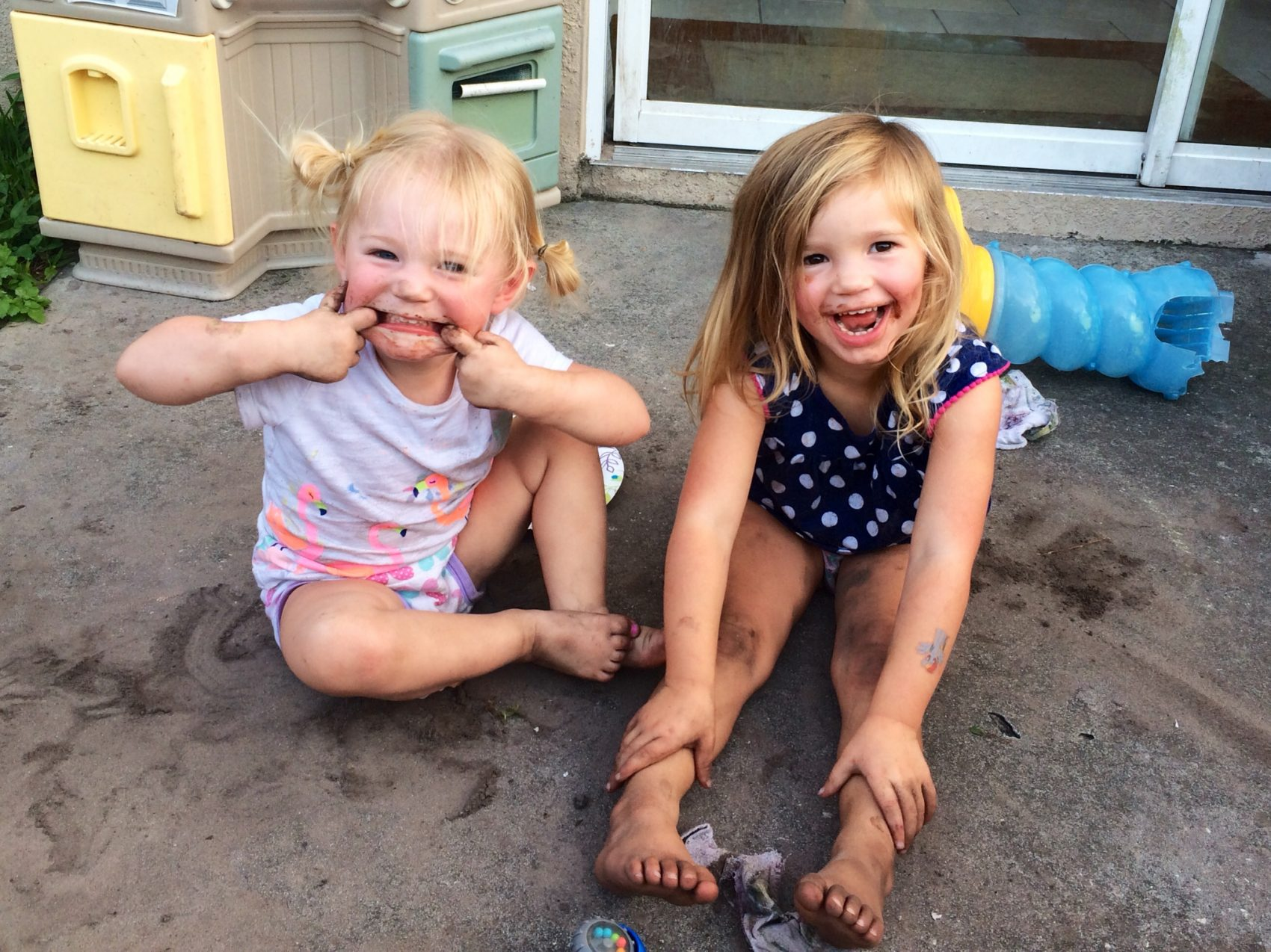 Willow and her older sister, Eden (Courtesy of Jennifer Newman)