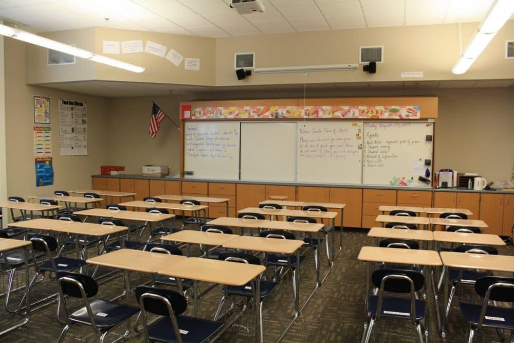 Classroom (xMizLitx/Flickr)