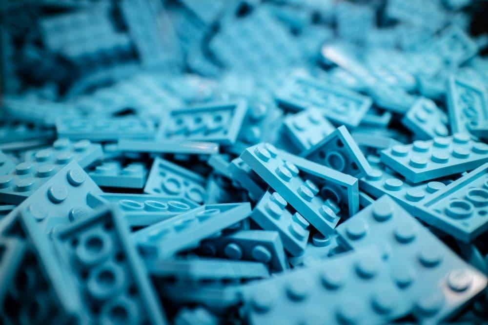 LEGO pieces. (Iker Urteaga/Unsplash)