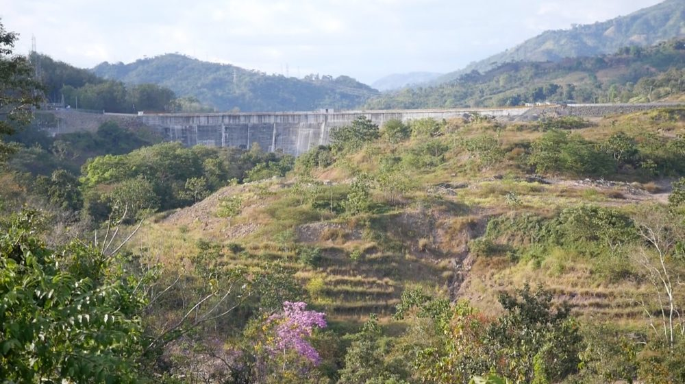 Barro Blanco Dam, in Panama's Chiriqui Province, was completed in late 2016. It produces about as much electricity as is used by 10,000 U.S. households. (Courtesy Daniel Grossman)