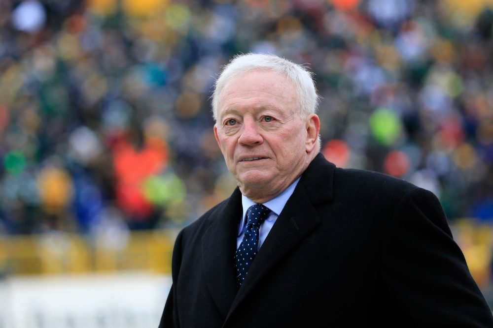 Dallas Cowboys owner Jerry Jones threatened to sue the NFL if it extends commissioner Roger Goodell's contract. (Rob Carr/Getty Images)