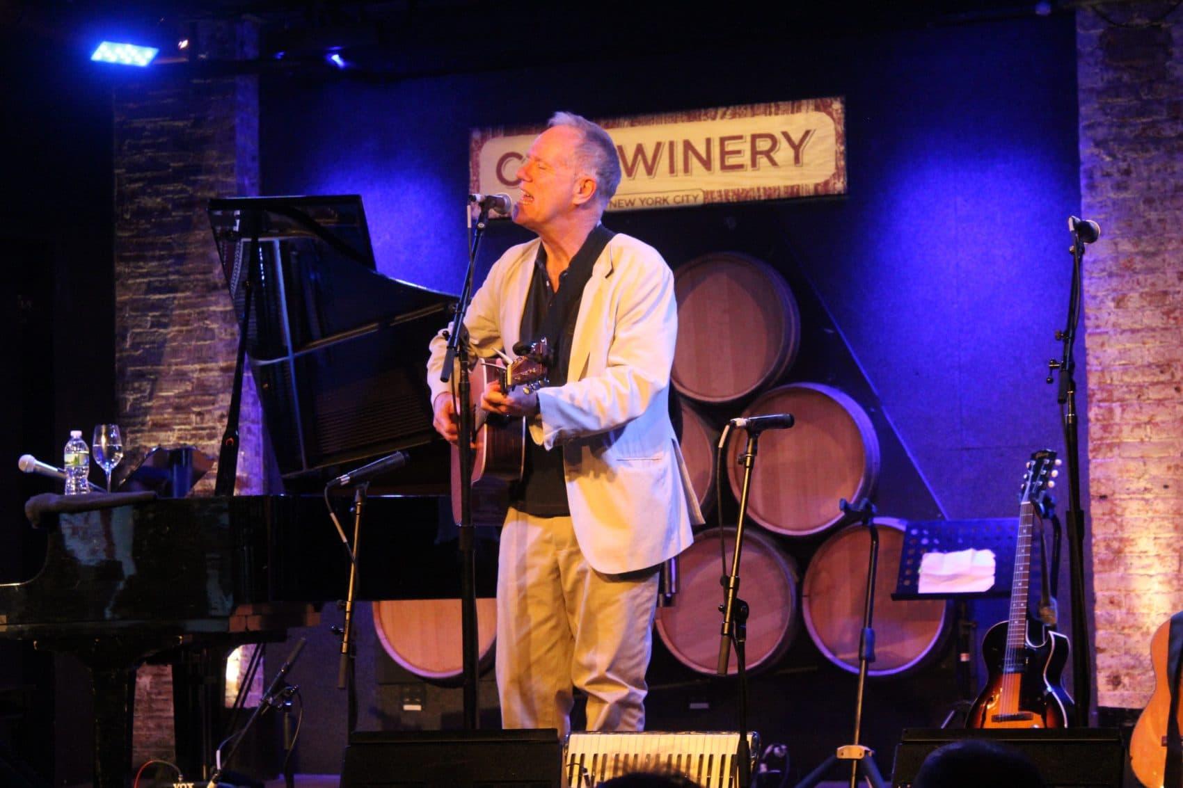 Loudon Wainwright III performing at City Winery's New York City location. (Courtesy City Winery)