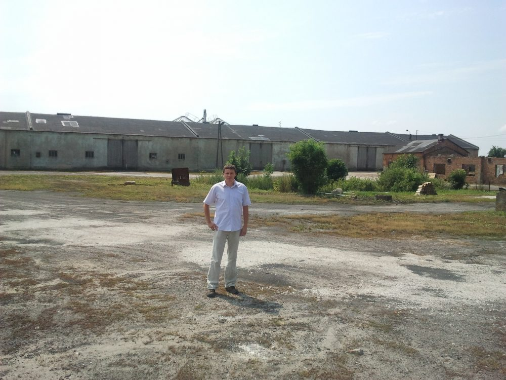 Robert Nowicki, pictured on one of the estates in Wielkopolska during a research trip with Julie. (Courtesy of Julie Lindahl)