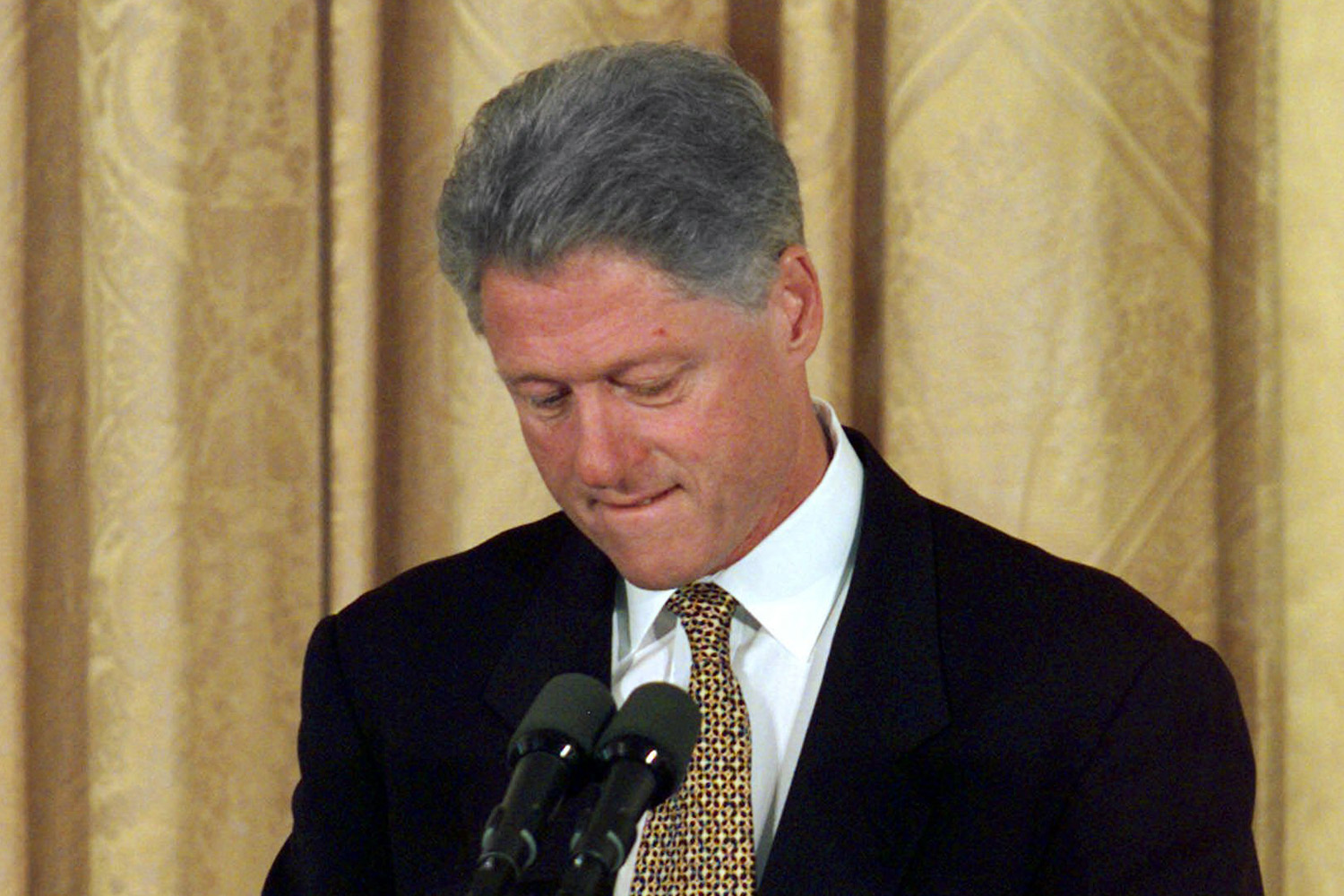 who did bill clinton cheat with