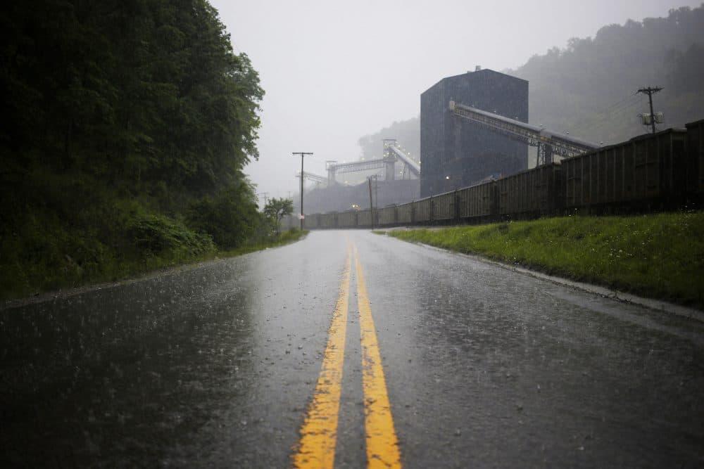A road leads past a coal train sitting alongside the Blackhawk Mining, LLC Spurlock Prep Plant on June 3, 2014 in Printer, Ky. (Luke Sharrett/Getty Images)