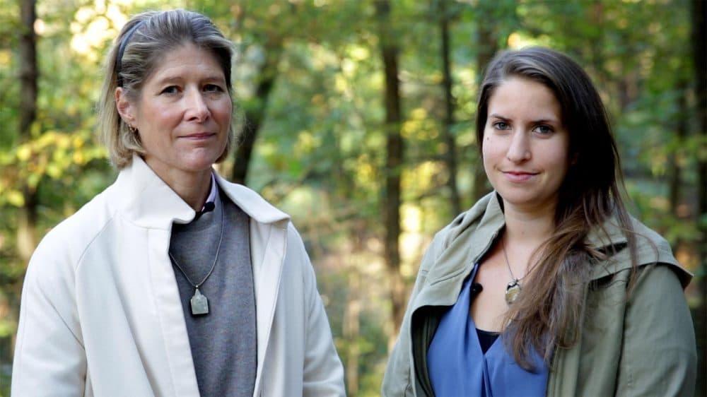 Julie Lindahl and Rachael Cerrotti (Robin Lubbock/WBUR)