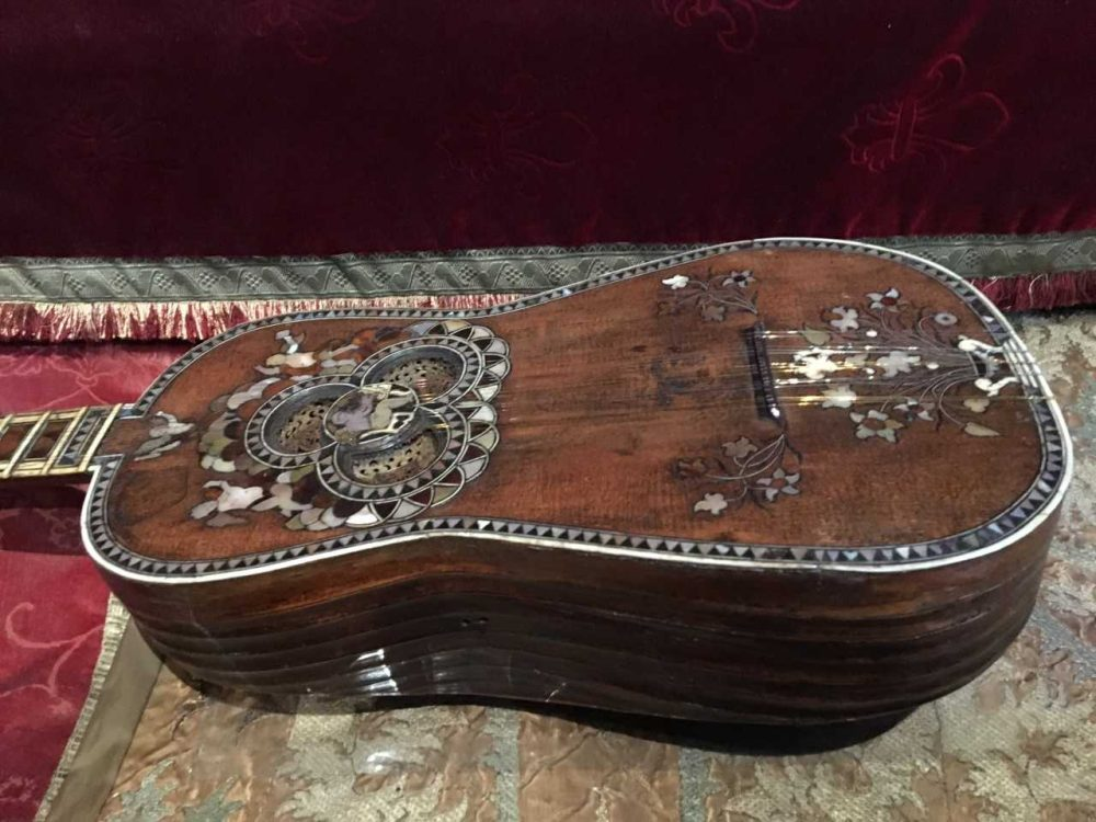 An 18th century guitar made by Jacopo Mosca Cavelli. (Andrea Shea/WBUR)