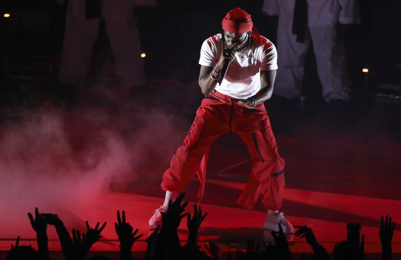 Kendrick Lamar performs at the MTV Video Music Awards in August 2017. (Matt Sayles/Invision/AP)