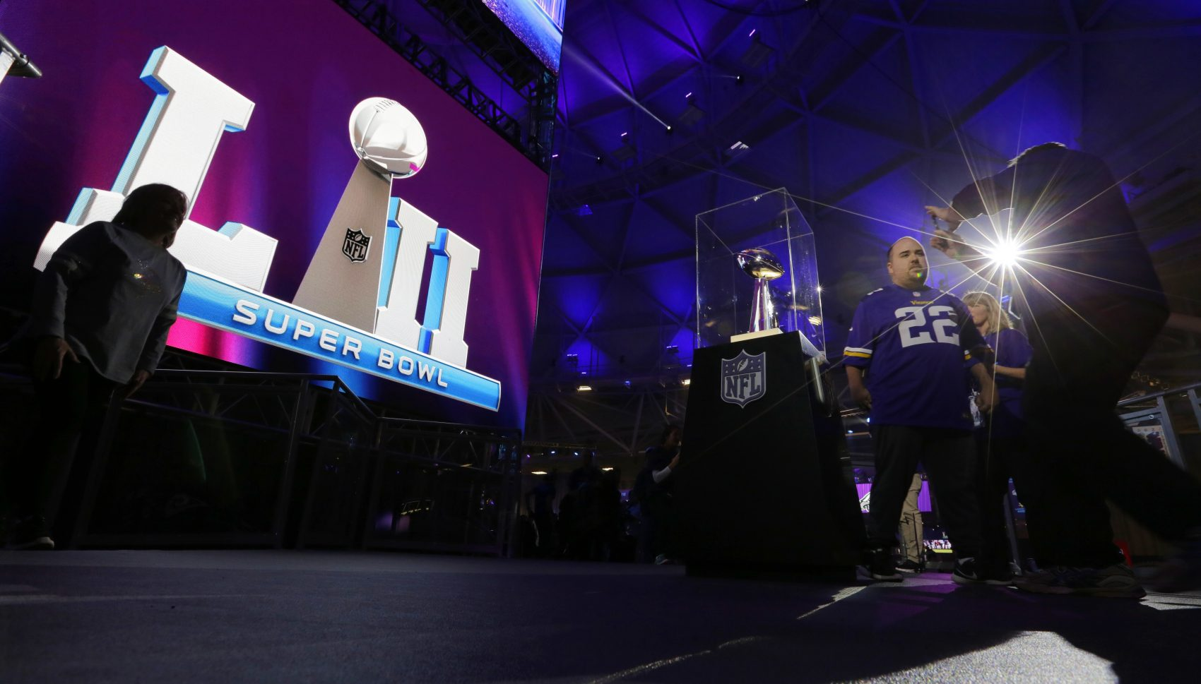 The Patriots are usually unpopular outside of New England -- but in the lead up to the Super Bowl, many Minnesotans are declaring their support for the Patriots. (Eric Gay/AP)