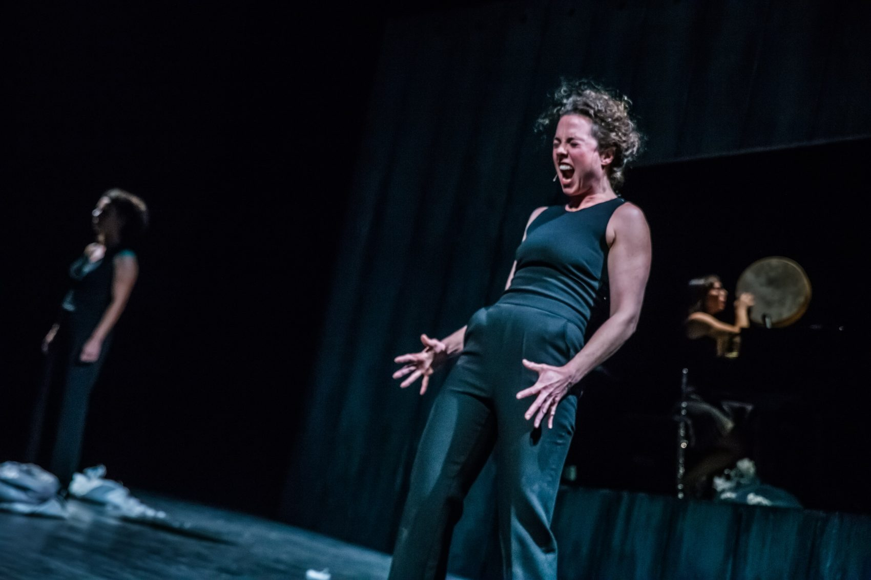 """American actor Catherine Gowl performs one of her monologues in """"In The Eruptive Mode"""" (Courtesy Ahmed Masalmani)"""