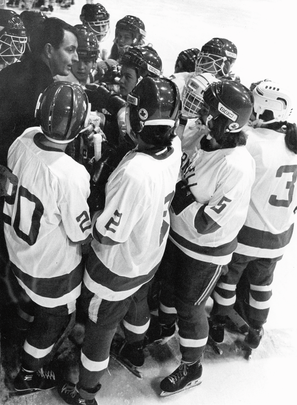 28754023a53 Cornell Coach Bill Duthie meeting with his players. (Courtesy Cornell  Athletic Communication)