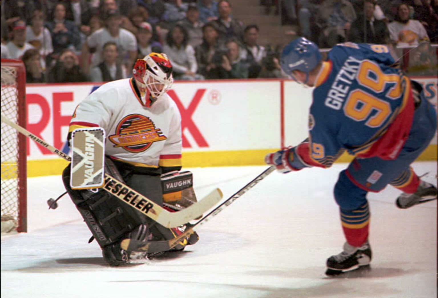 """""""The young man who was taking care of the line came up to me and said, 'Sir, if you move your hand down the stick a little further...' """" Wayne Gretzky recalls. (Dan Levine/AFP/Getty Images)"""