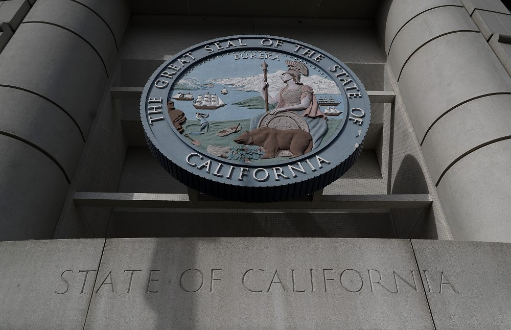 The seal of the state of California is displayed on the front of a California State building on Nov. 22, 2016 in San Francisco. (Justin Sullivan/Getty Images)