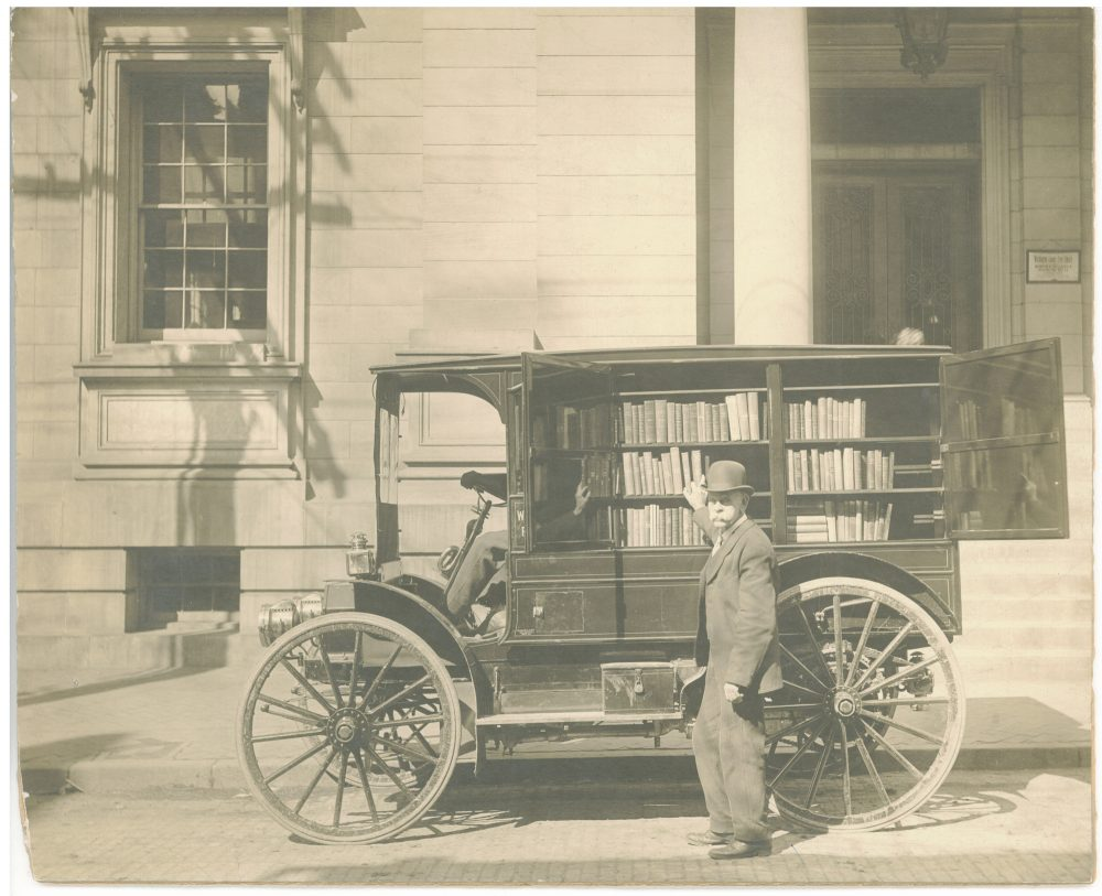 The first motorized bookmobile in 1912. (Courtesy of Abrams Books, from Library on Wheels © Sharlee Glenn, 2018)