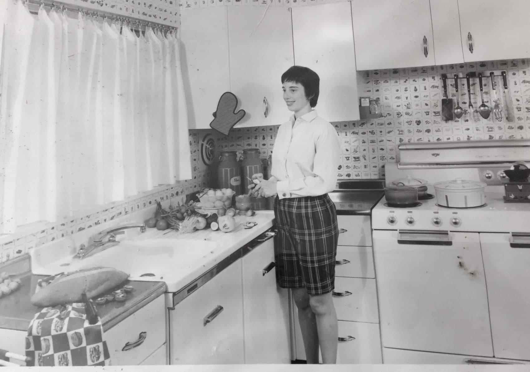 Nancy Levy Gunst in her kitchen in 1957. (Courtesy)