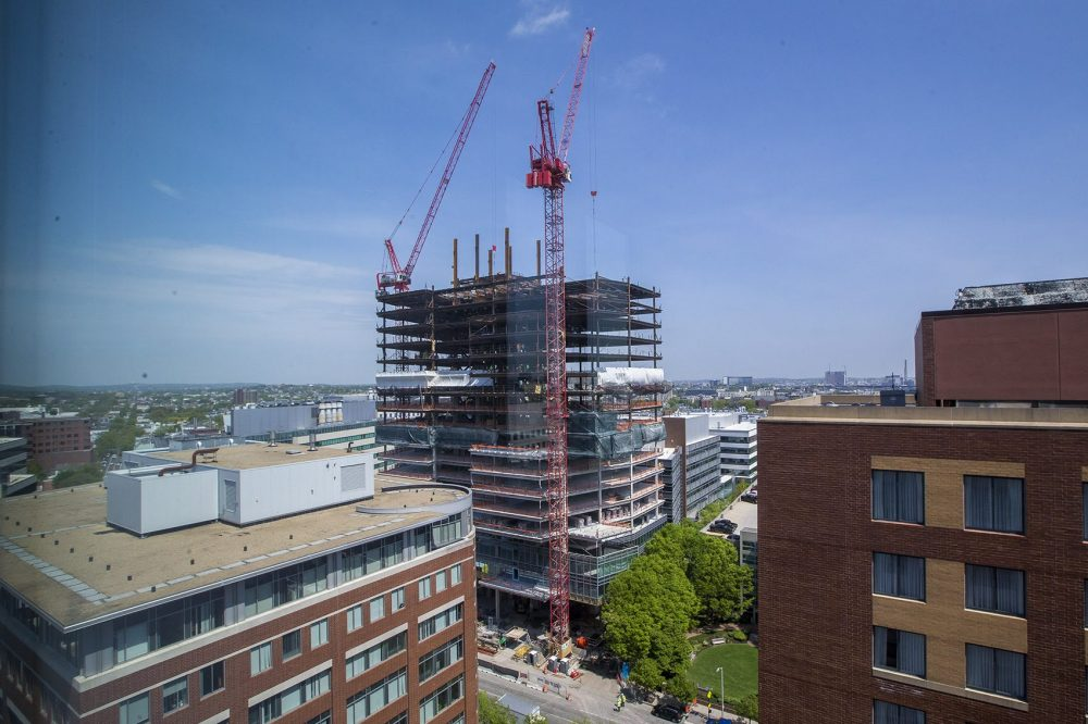Contruction is rampant all over Kendall Square. The 19-story, 453,768-square-foot office tower at 145 Broadway will be the new home of Akamai Technologies. (Jesse Costa/WBUR)