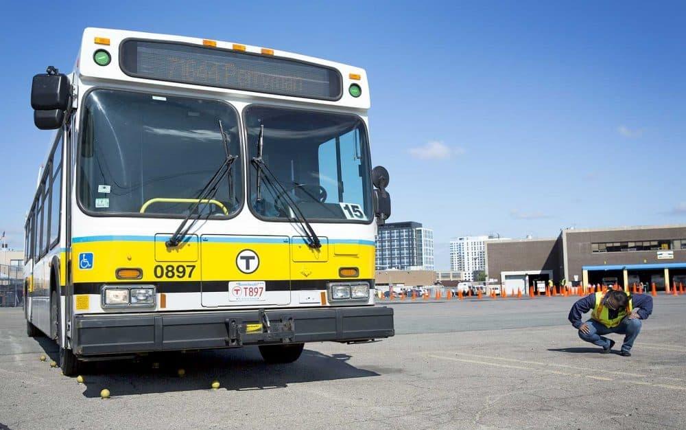 MBTA bus (Robin Lubbock/WBUR)