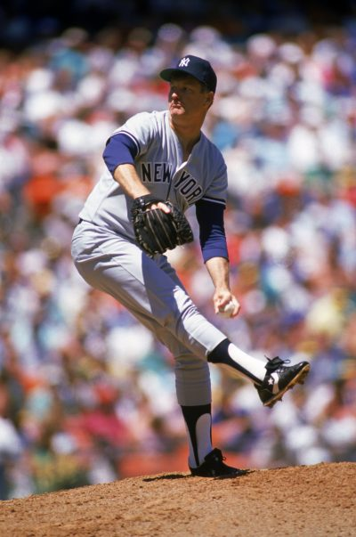 Tommy John pitching in 1989. (Otto Greule Jr/Getty Images)
