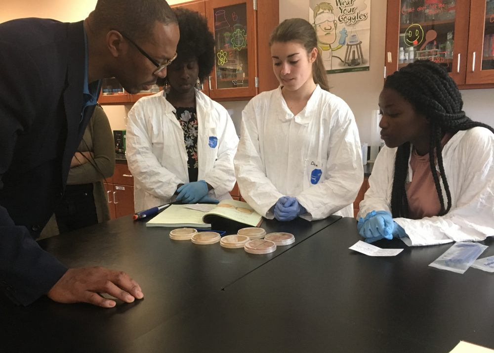 Massachusetts Life Sciences President and CEO Travis McCready visits with Worcester students participating in the MLSC high school apprenticeship program (Courtesy of the Massachusetts Life Sciences Center).