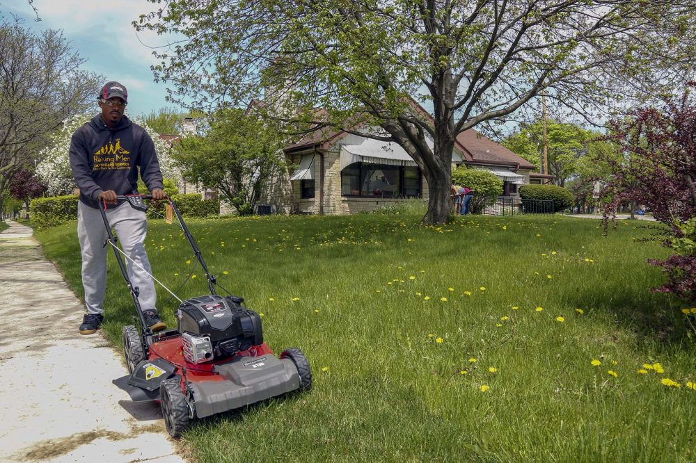 This Man Is On A Mission To Mow Lawns In All 50 States