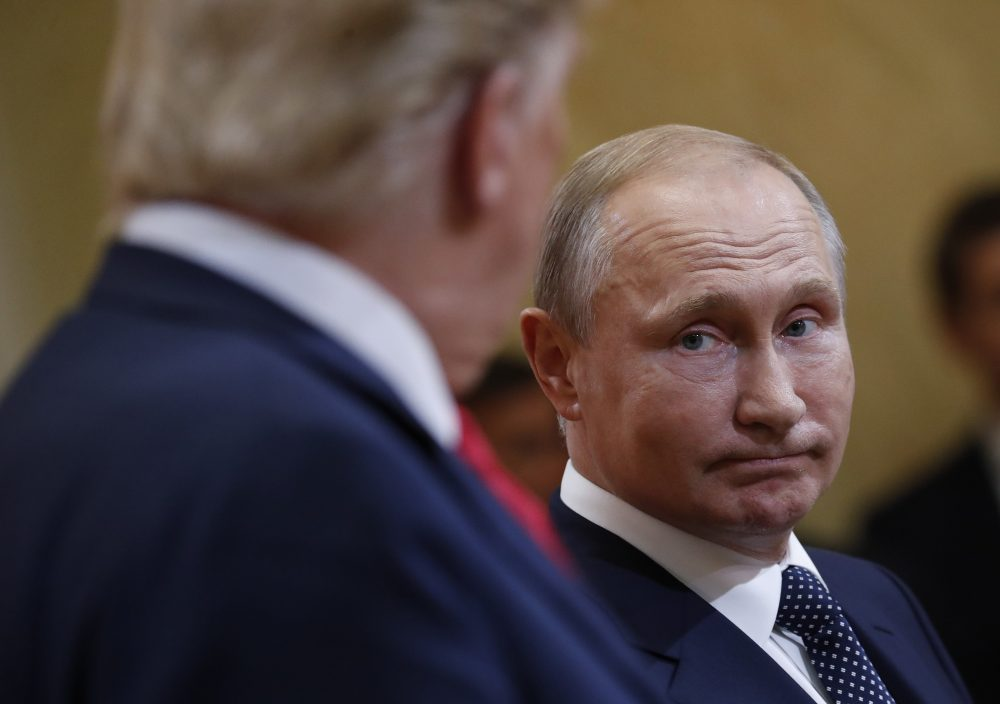 U.S. President Donald Trump, left, and Russian President Vladimir Putin, right, during their joint news conference at the Presidential Palace in Helsinki, Finland, Monday, July 16, 2018. (Pablo Martinez Monsivais/AP)