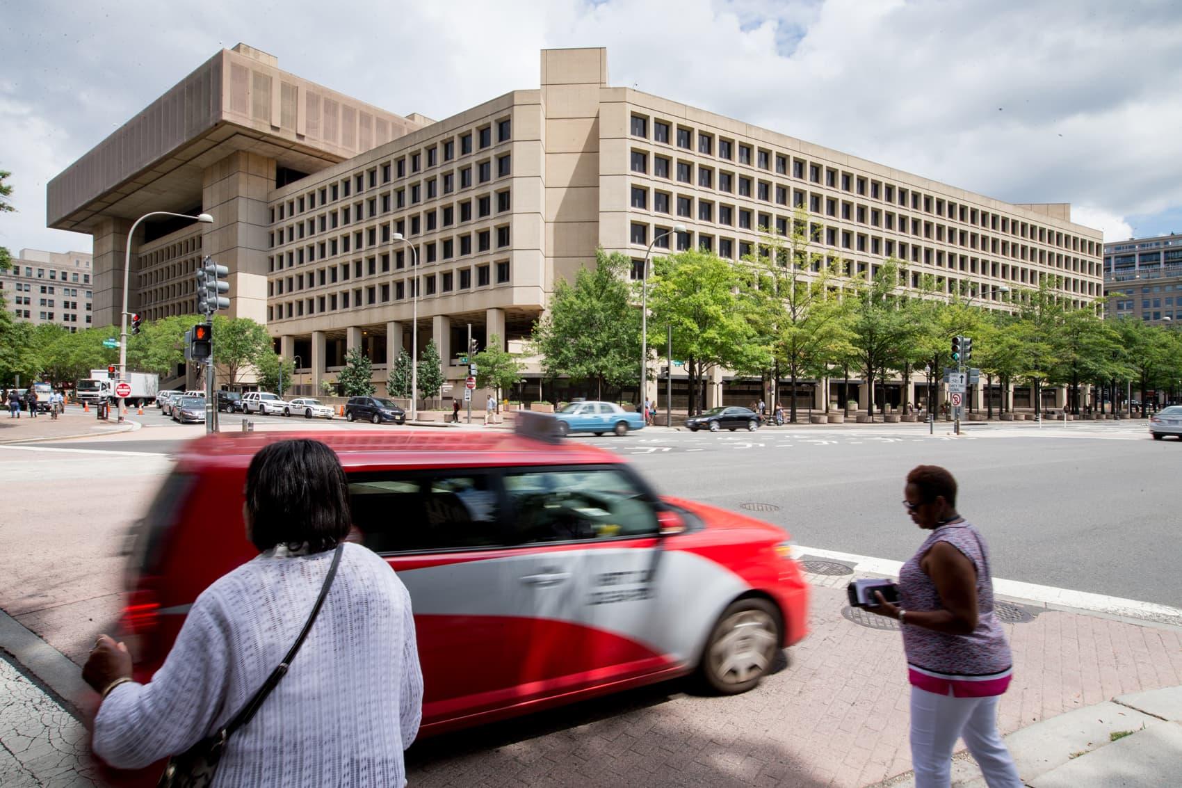 The J. Edgar Hoover Building, the Federal Bureau of Investigation headquarters, in Washington, D.C. (Andrew Harnik/AP)