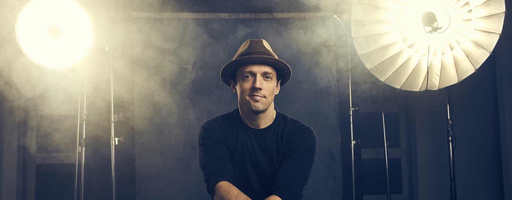Singer-songwriter Jason Mraz. (Courtesy Justin Bettman via Atlantic Records)