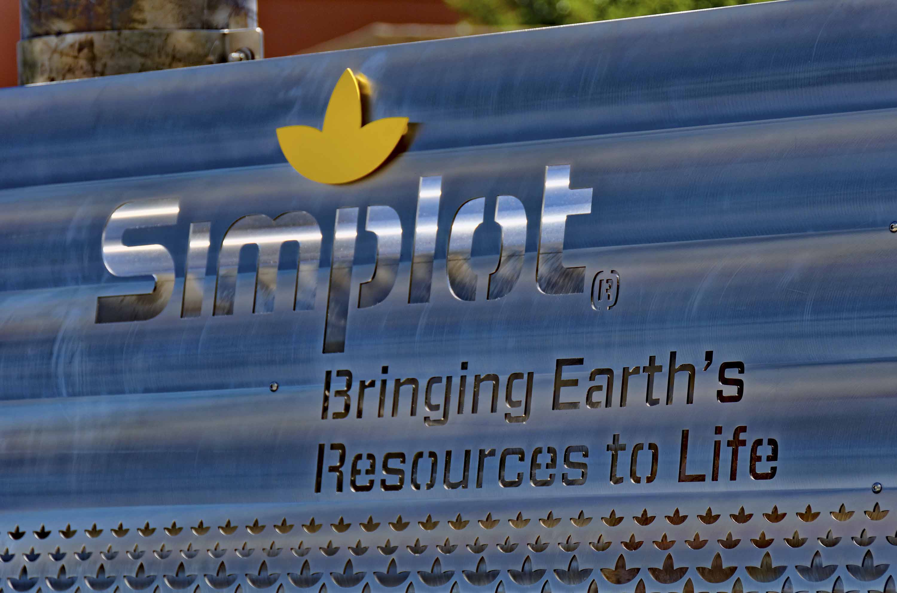 Idaho-based J.R. Simplot Company has acquired gene editing licensing rights that could one day be used to help farmers produce more crops and grocery store offerings such as strawberries, potatoes and avocados stay fresher longer. The technology was developed by the Broad Institute at Massachusetts Institute of Technology and Harvard University.  (J.R. Simplot Company via AP)