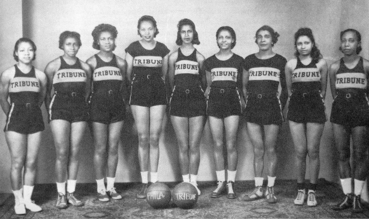 Washington (third from right) won 12 national basketball championships in her career. (Courtesy Philadelphia Tribune/Charles L. Blockson Afro-American Collection)