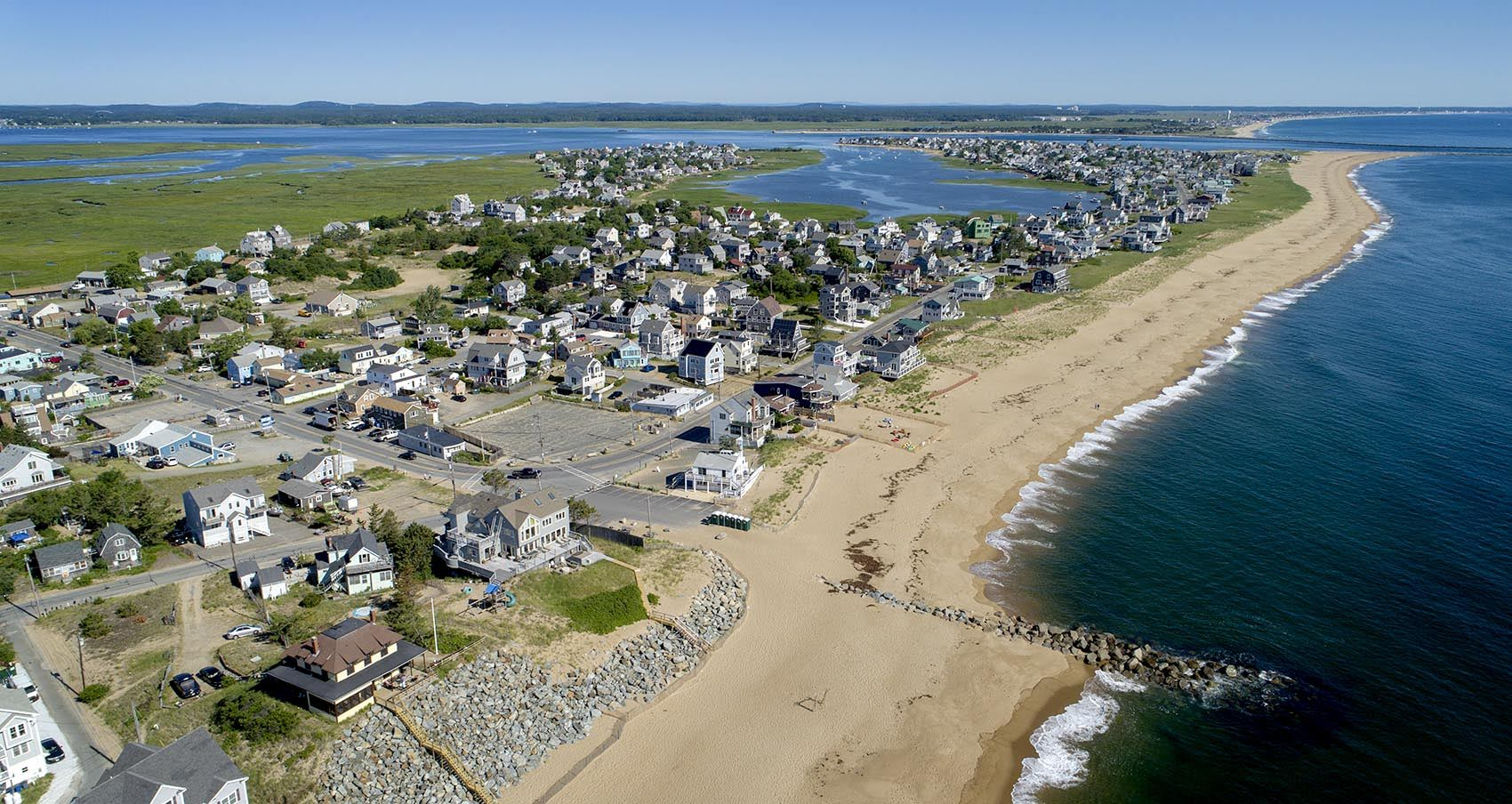 The north section of Plum Island lies between the Merrimack River estuary and the ocean. (Robin Lubbock/WBUR)