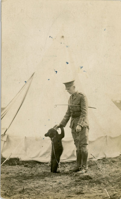 Harry Colebourn with Winnie at the military base in Valcartier, Quebec. (Courtesy of the Mattick family)