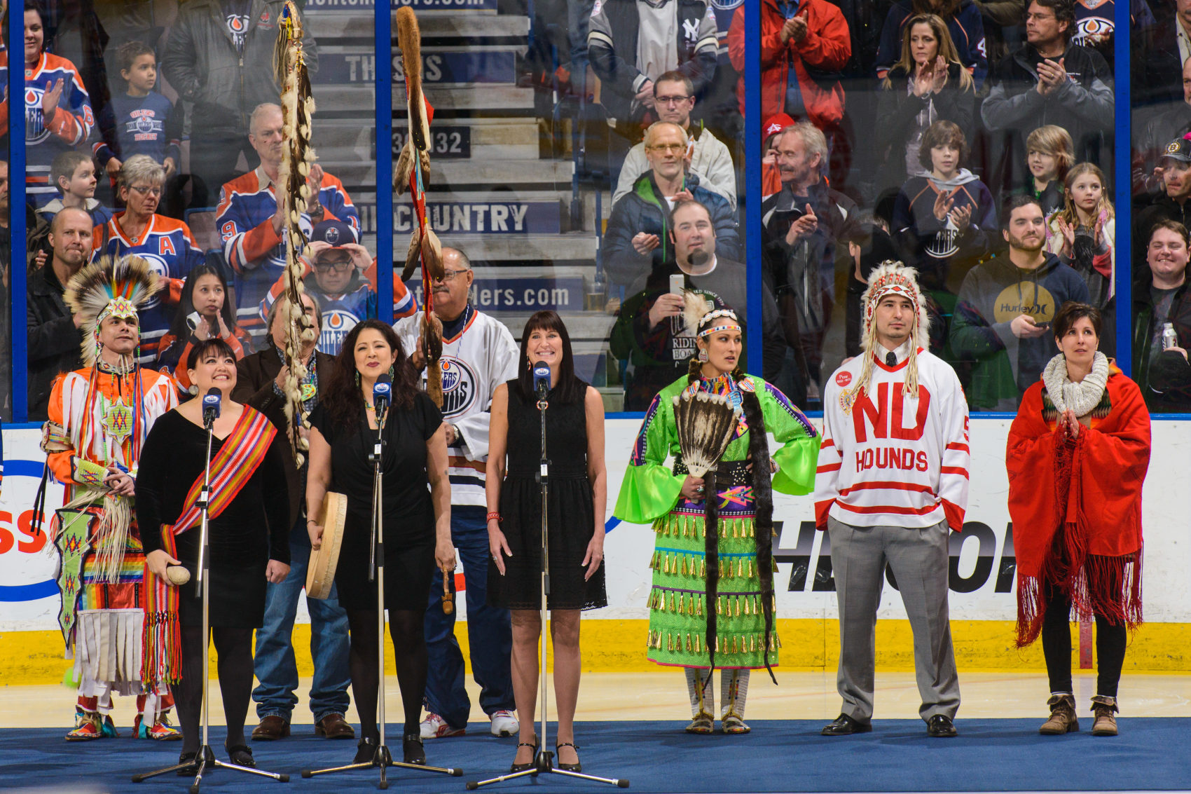 The Edmonton Oilers celebrate First Nations hockey at a 2014 game. (Derek Leung/Getty Images)