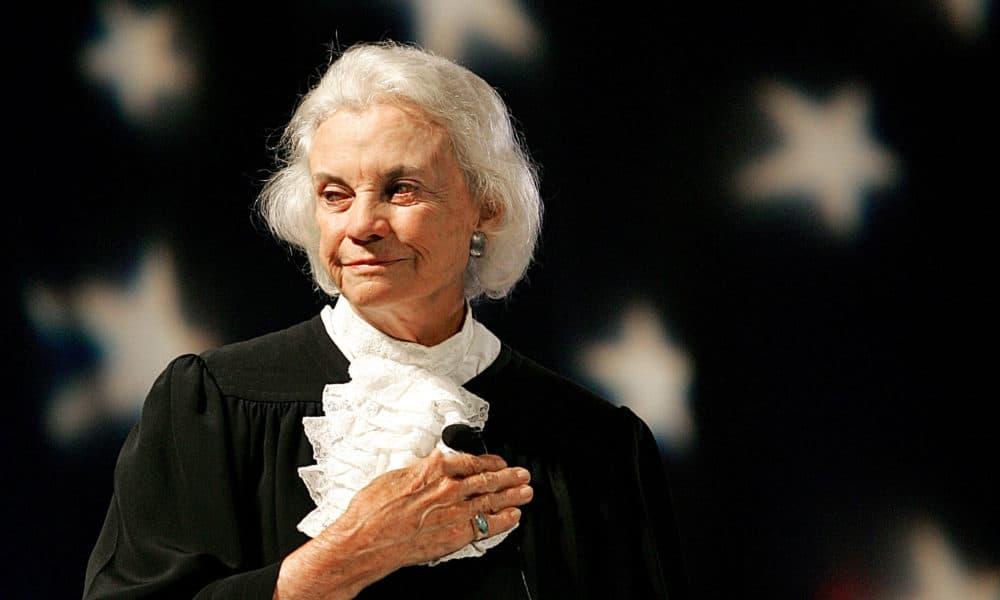 U.S. Supreme Court Justice Sandra Day O'Connor pledges alligence to the flag Saturday, Sept. 17, 2005. (Matt York/AP)