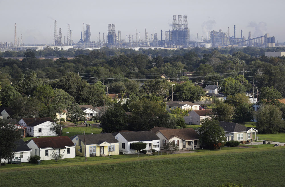 A residential neighborhood sits next to an oil refinery in Port Arthur, Texas, Thursday, Sept. 28, 2017. (David Goldman/AP)