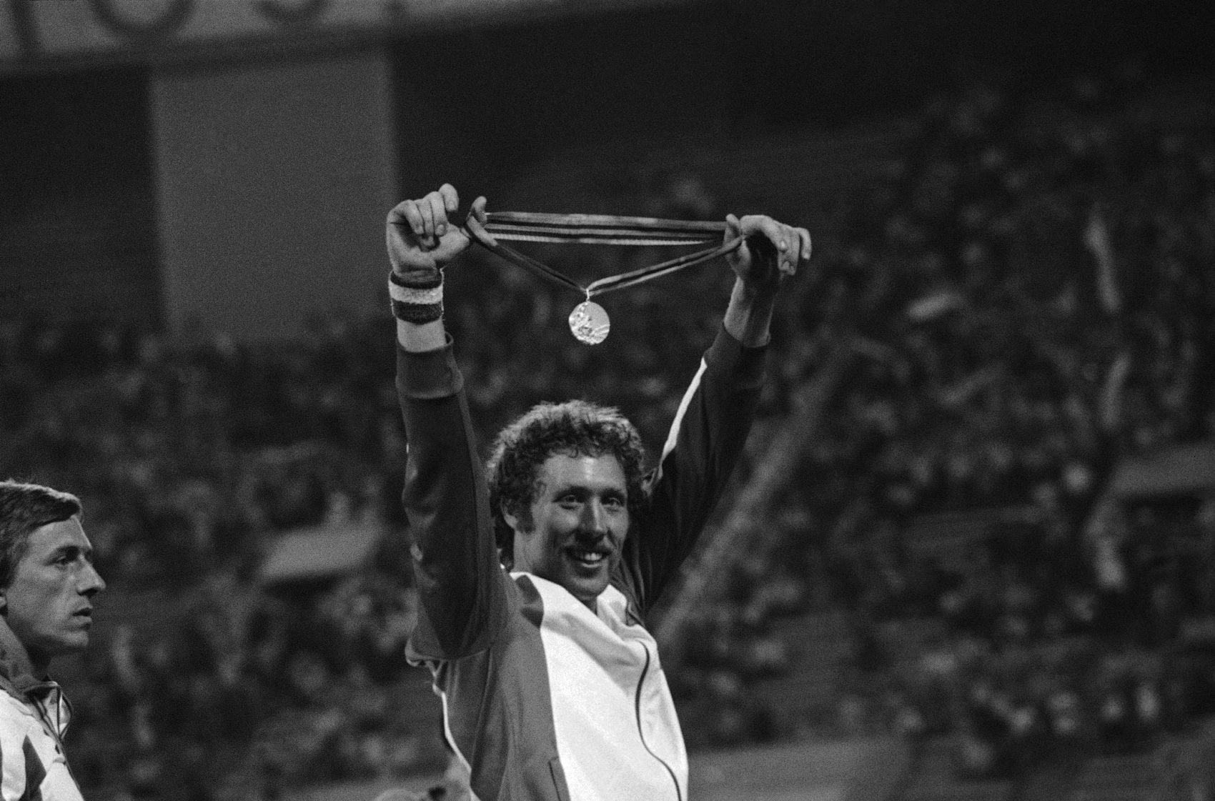 Kozakiewicz with his 1980 Olympic gold medal. (AP)