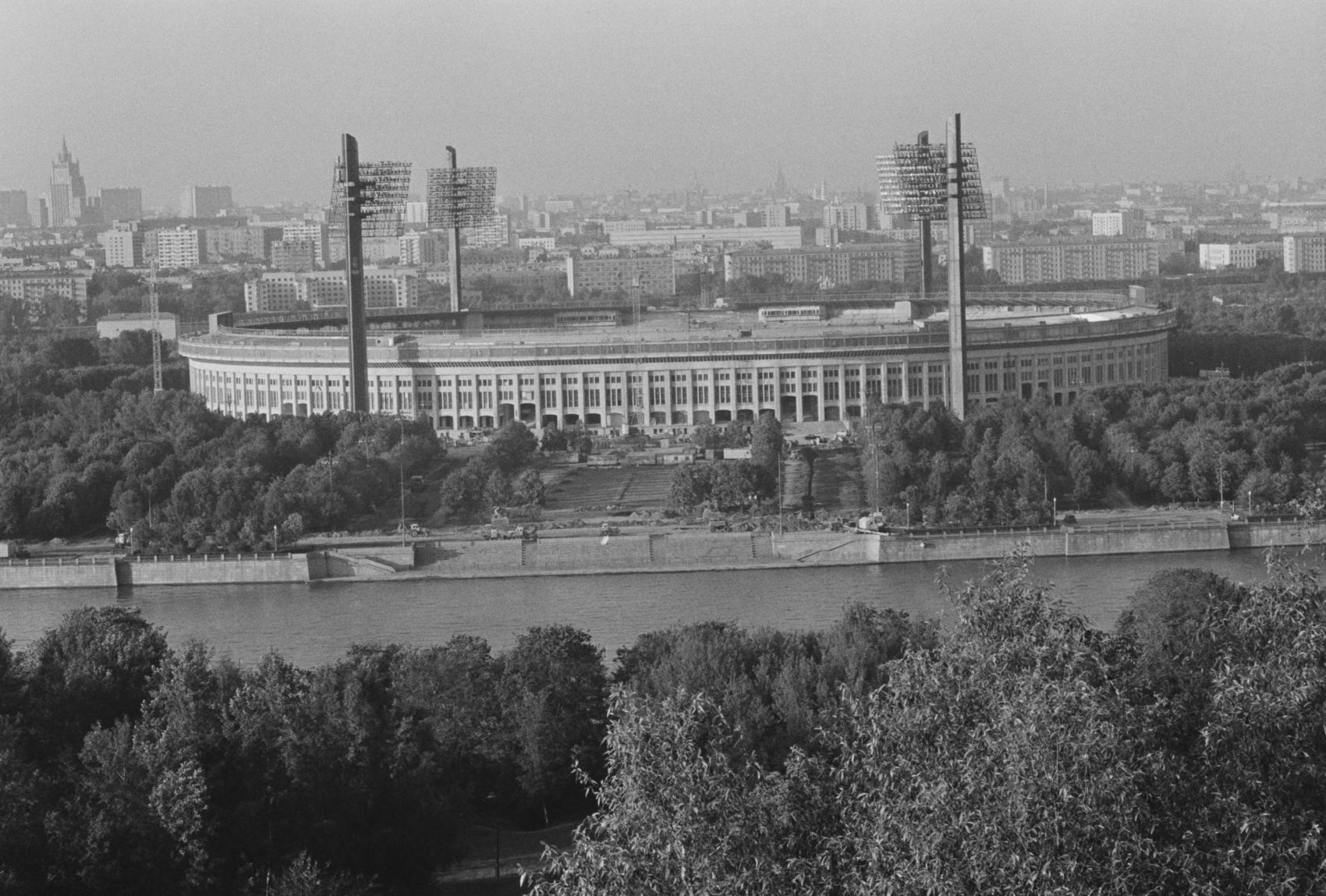 An aerial view of Luzhniki Stadium in Moscow from 1979. (Fresco/Evening Standard/Hulton Archive/Getty Images)