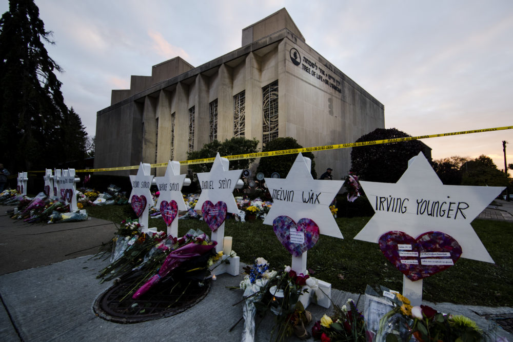 A makeshift memorial stands outside the Tree of Life synagogue in the aftermath of a deadly shooting in Pittsburgh, Monday, Oct. 29, 2018. (Matt Rourke/AP)